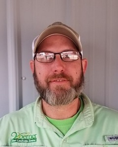 Jeff Kruse, Asst. Manager at Ft. Walton Landscape Outlet